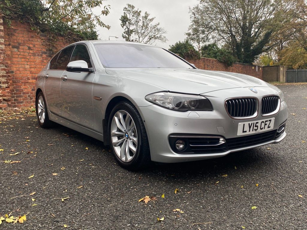BMW 5 Series Saloon 3.0 535i Luxury 4dr