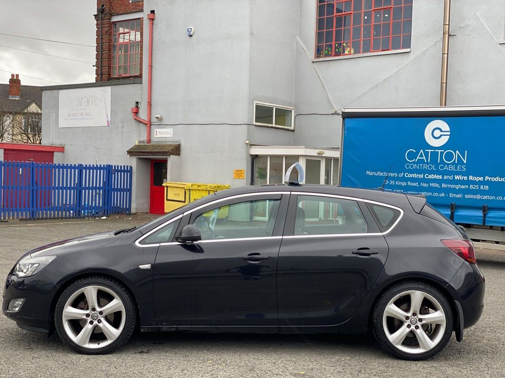 Used Vauxhall Astra Hatchback 1.7 Cdti Sri 5dr in ...