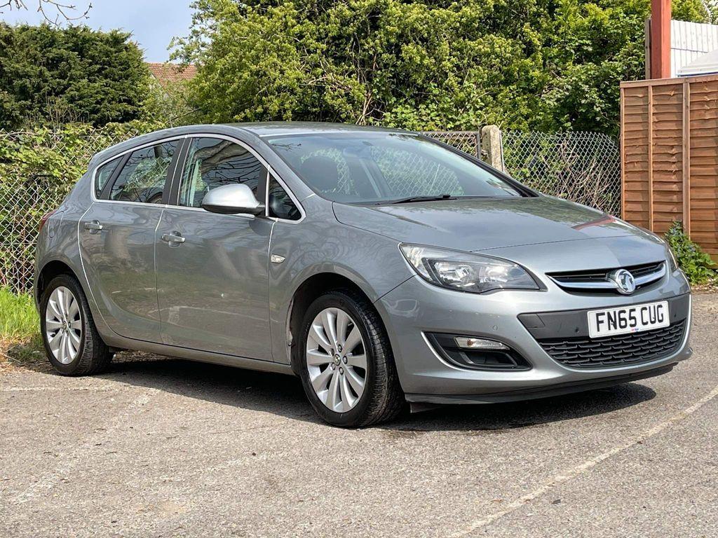 Vauxhall Astra Hatchback 1.6i Tech Line Auto 5dr