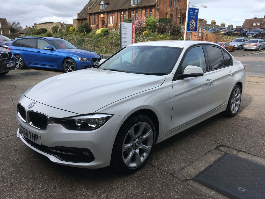 BMW 3 Series Saloon 2.0 318d Sport (s/s) 4dr