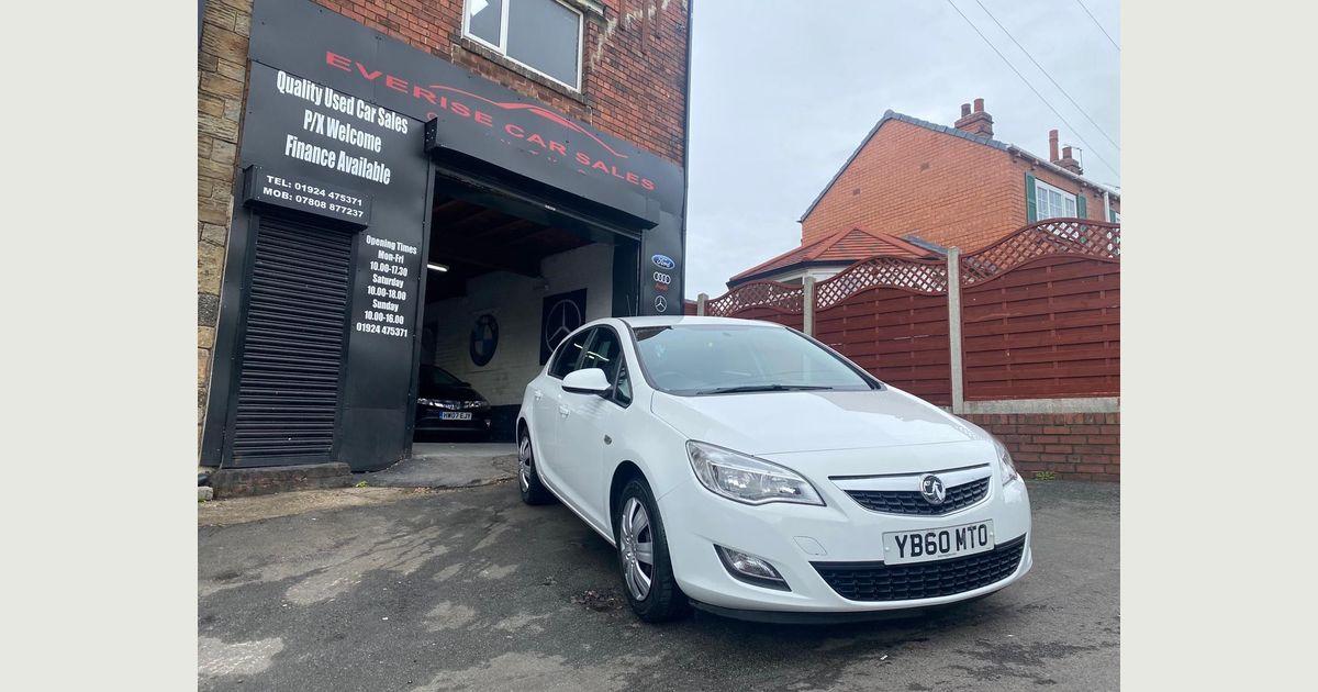 Used Vauxhall Astra Hatchback 1.4 16v Exclusiv 5dr in ...