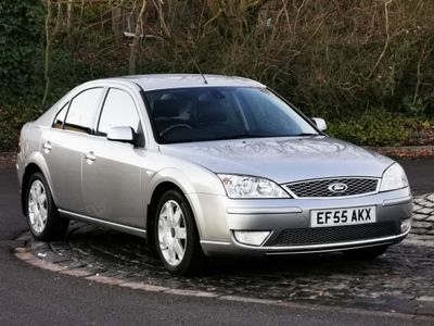 Ford Mondeo Hatchback 2.0 Ghia X 5dr
