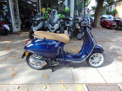 Piaggio Vespa Primavera Moped Primavera 50 i-get