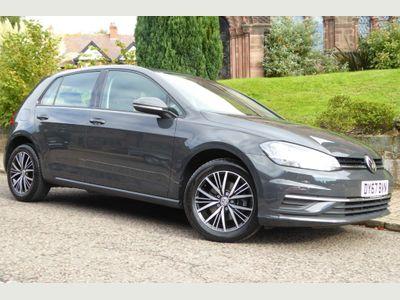 Volkswagen Golf Hatchback 1.6 TDI BlueMotion Tech SE Nav DSG (s/s) 5dr