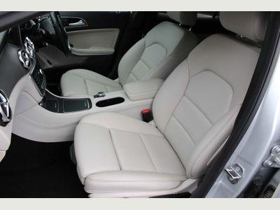 Mercedes-Benz GLA Class SUV 1.6 GLA200 Sport (Executive) 7G-DCT (s/s) 5dr