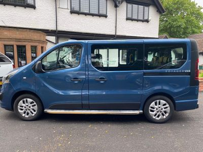 Vauxhall Vivaro Minibus VOYAGER TAXI CDTI S/S MI TAXI BI TURBO