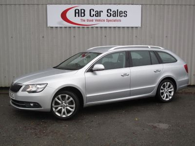 SKODA Superb Estate 2.0 TDI CR DPF SE DSG 5dr