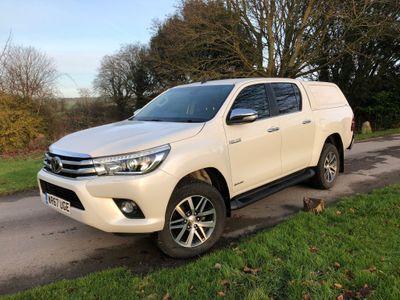 Toyota Hilux Pickup 2.4 D-4D Invincible Double Cab Pickup 4WD EU6 (s/s) 4dr (TSS, 3.5t)