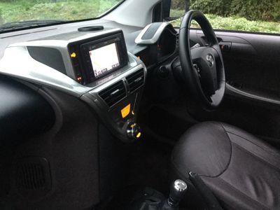 Toyota iQ Hatchback 1.0 VVT-i 2 3dr
