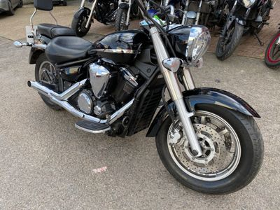 Yamaha XVS1300 Custom Cruiser 1300 Midnight Star