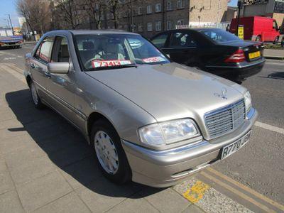 Mercedes-Benz C Class Saloon 2.4 C240 Elegance 4dr