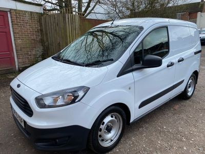Ford Transit Courier Panel Van 1.5 TDCi L1 EU5 4dr