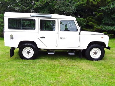 Land Rover Defender 110 SUV 2.5 TDi County 4X4 5dr