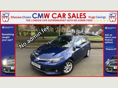 Toyota Auris Hatchback 1.8 VVT-h Icon Tech CVT (s/s) 5dr