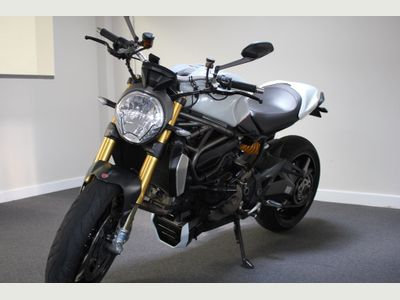 Ducati Monster Naked 1200 ABS Naked