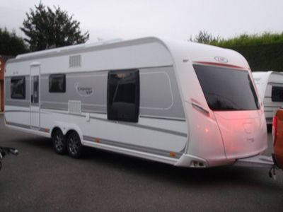 LMC 655 VIP EXQUISIT Tourer 5 BERTH,FIXED BED WITH SEPARATE SHOWER CUBICLE IN EXCELLENT CONDITION