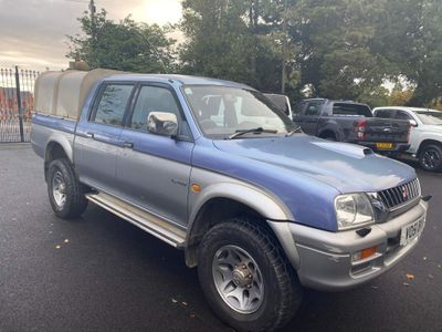 Mitsubishi L200 Pickup 2.5 TD 4Life Crewcab Pickup