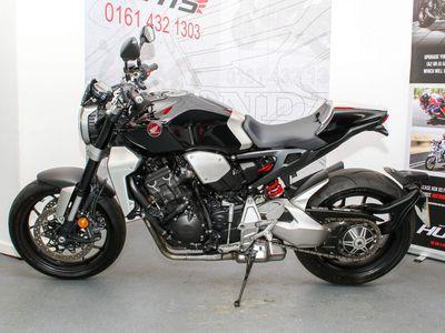 Honda CB1000R Naked 1000 Plus