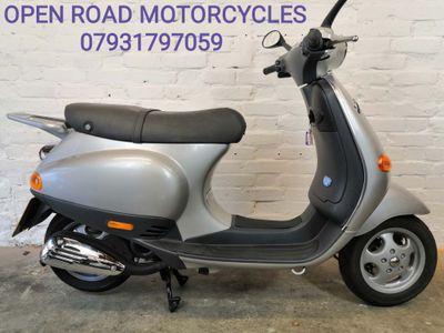 Piaggio ET2 Scooter