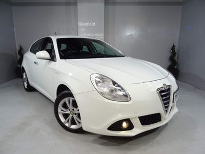 Alfa Romeo Giulietta Hatchback 1.6 JTDM-2 Lusso 5dr