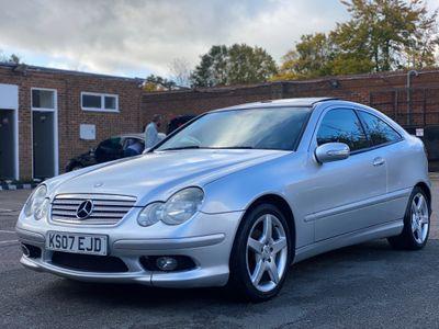 Mercedes-Benz C Class Coupe 2.1 C220 CDI SE 2dr