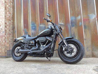 Harley-Davidson Dyna Custom Cruiser 1870 Fat Bob 114