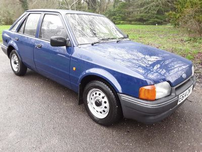 Ford Escort Hatchback 1.3 Popular 5dr