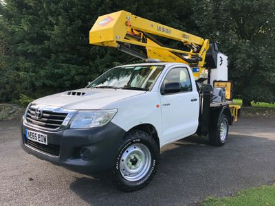 Toyota Hilux Specialist Vehicle 2.5 4WD 13.2m Versalift Cherry Picker