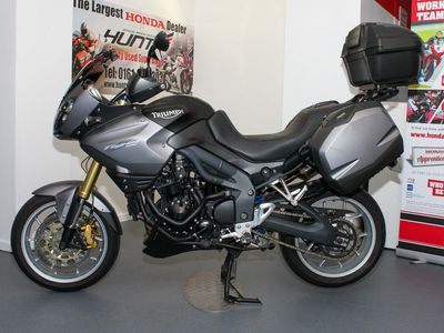 TRIUMPH TIGER Adventure 1050 ABS