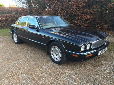Jaguar XJ Saloon 4.0 Sovereign 4dr