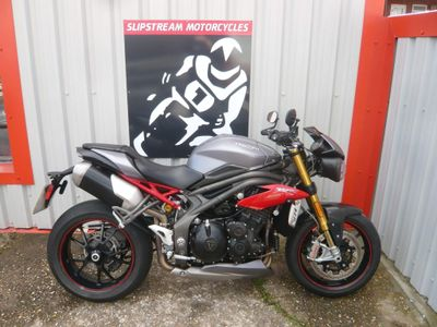 Triumph Speed Triple 1050 Naked 1050 R ABS