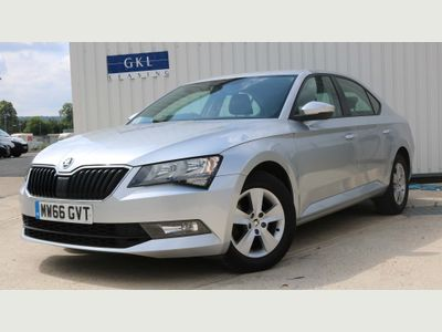 SKODA Superb Hatchback 1.6 TDI S (s/s) 5dr