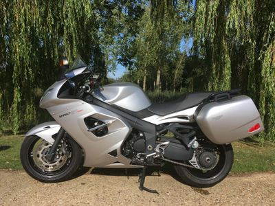 Triumph Sprint GT 1050 Sports Tourer 1050 GT