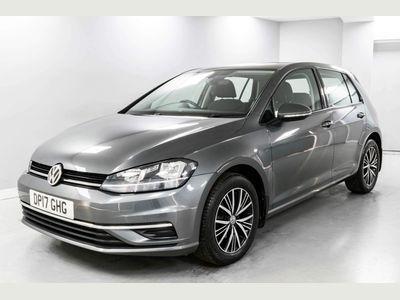 Volkswagen Golf Hatchback 1.0 TSI BlueMotion Tech SE Nav (s/s) 5dr