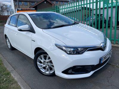 Toyota Auris Hatchback 1.8 VVT-h Icon CVT (s/s) 5dr