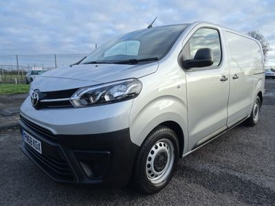 Toyota ProAce Panel Van 1.6D Medium Panel Van MWB EU6 (s/s) 6dr