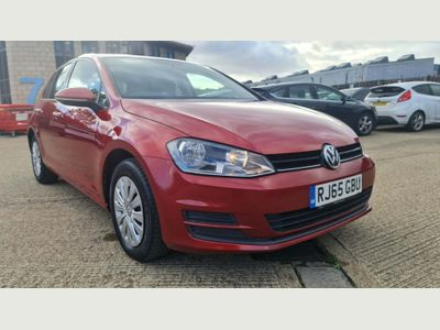 Volkswagen Golf Hatchback 1.6 TDI BlueMotion Tech S (s/s) 5dr
