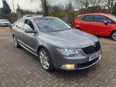 SKODA Superb Hatchback 2.0 TDI PD Elegance 5dr