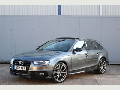AUDI A4 AVANT Estate 2.0 TFSI Black Edition Plus Avant S Tronic quattro 5dr