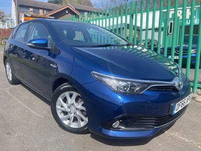 Toyota Auris Hatchback 1.8 VVT-h Business Edition CVT (s/s) 5dr