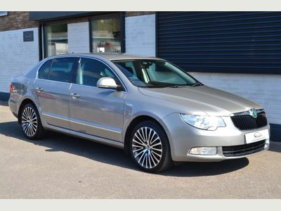 SKODA Superb Hatchback 2.0 TDI CR Elegance (L&K Luxury Pack) 4x4 5dr
