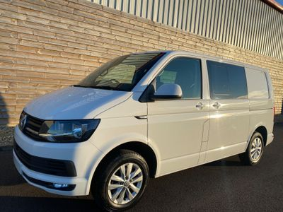 Volkswagen Transporter Combi Van 2.0 TDI T30 BlueMotion Tech Highline Crew Van FWD (s/s) 5dr