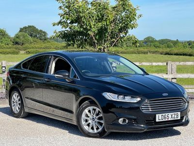 Ford Mondeo Hatchback 2.0 TDCi Titanium (s/s) 5dr