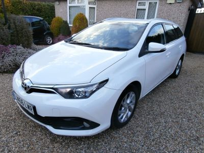 Toyota Auris Estate 1.4 D-4D Business Edition Touring Sports (s/s) 5dr
