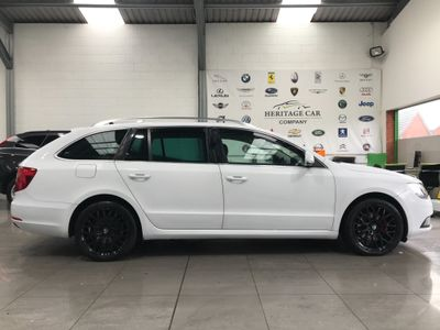 SKODA Superb Estate 2.0 TDI CR DPF Black Edition DSG 5dr