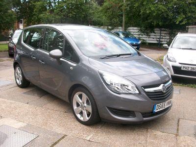 Vauxhall Meriva MPV 1.4i Exclusiv 5dr