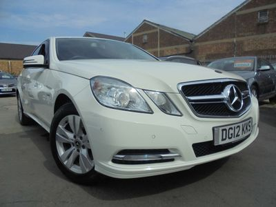 MERCEDES-BENZ E CLASS Saloon 1.8 E250 BlueEFFICIENCY SE G-Tronic 4dr