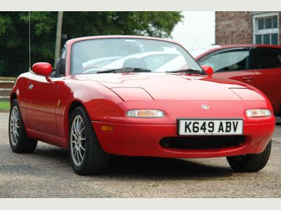 Mazda MX-5 Convertible Eunos Roadster