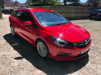 Vauxhall Astra Estate 1.6 CDTi Elite Sports Tourer (s/s) 5dr
