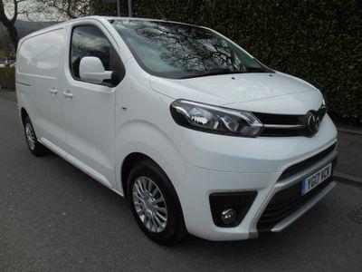 Toyota ProAce Panel Van 2.0D Comfort Medium Panel Van MWB EU6 (s/s) 6dr